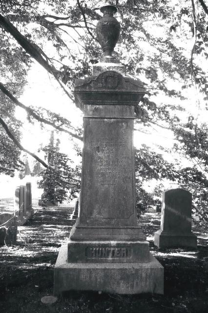 Newport memorial for Charles Hunter, Mary (Rotch) Hunter